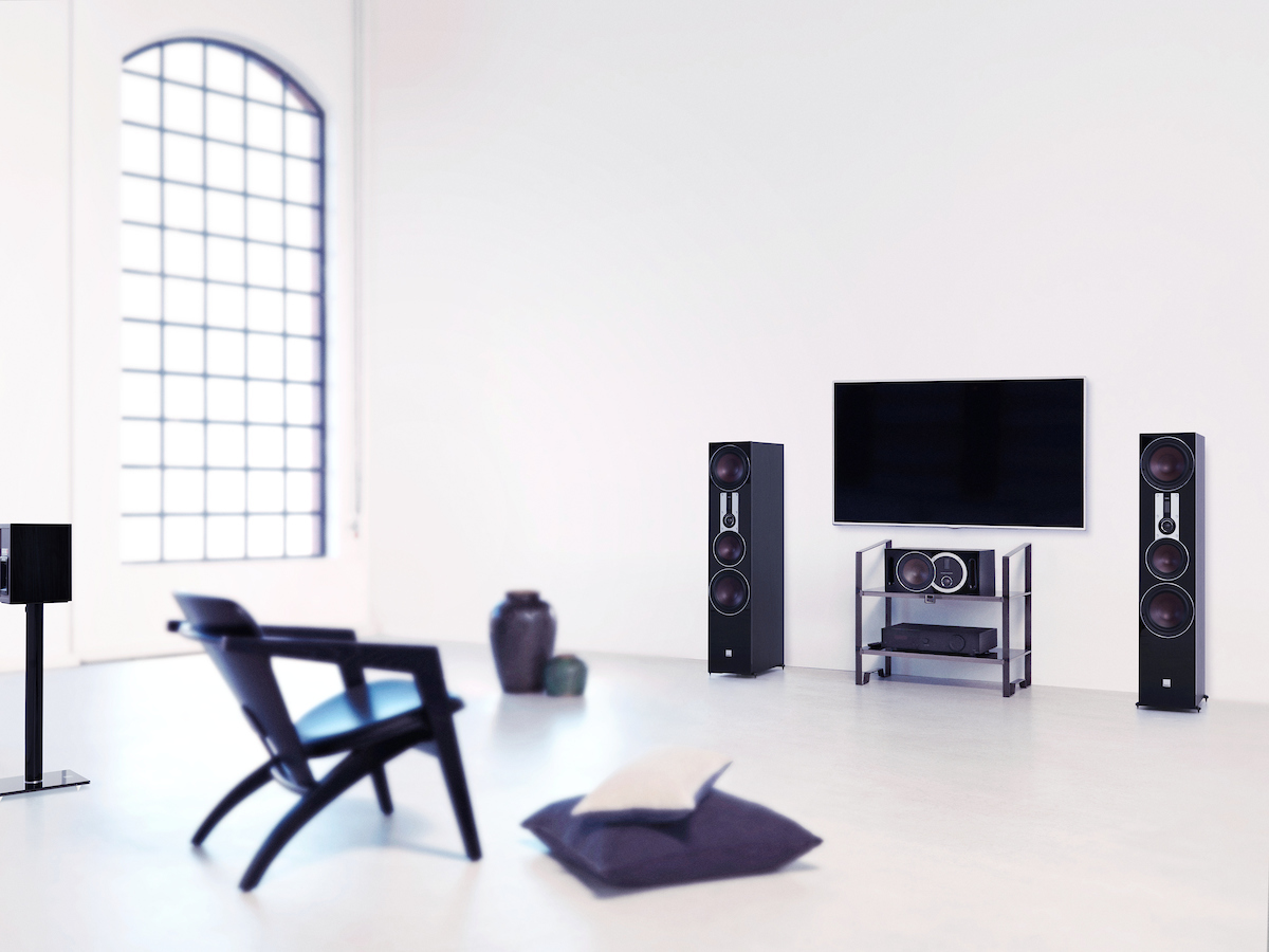 opticon-8-black-location-tv-setup.jpg